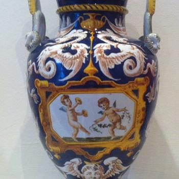 Ginori majolica vase ca. 1870-1890 baroque revival - Pottery