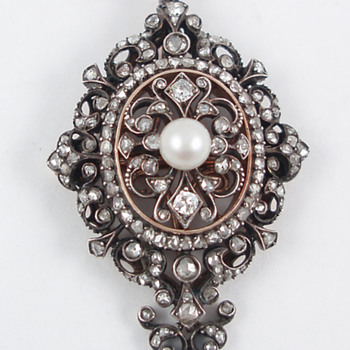 Boucheron Pearl and Diamond Pendant - Fine Jewelry
