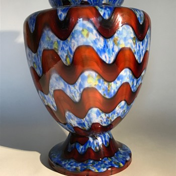 Kralik 'Wave Vase' in an interesting decor - Art Glass