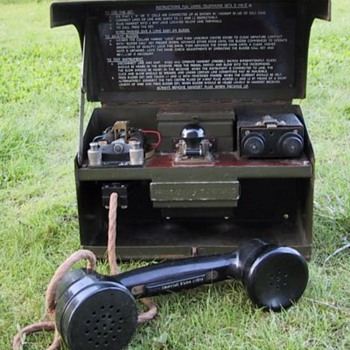 WW2 Military Field Telephone Set with a Morse Code Key - Telephones