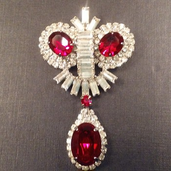 Kramer brooch with pendant - Costume Jewelry