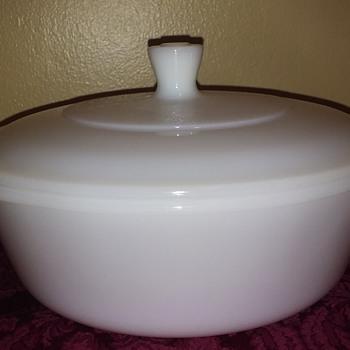 white GLASBAKE covered 2-quart casserole