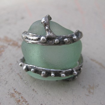 Beach glass bottle neck ring: sentimental to me - Fine Jewelry