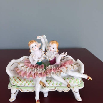 Lace Bone China 52/53 - Figurines