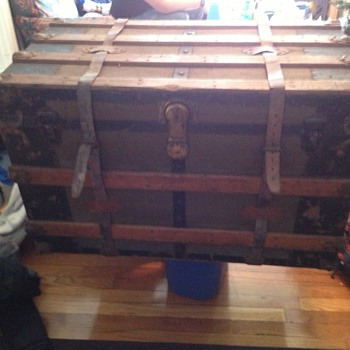 Craigslist Steamer Trunk - Furniture