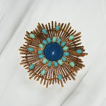 Large Unmarked Vintage Starburst Brooch - Costume Jewelry