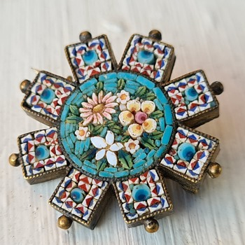 Victorian micro mosaic brooch - Fine Jewelry