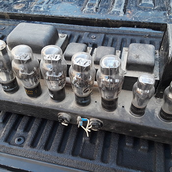 old RAULAND vacuum tube amplifier - Electronics
