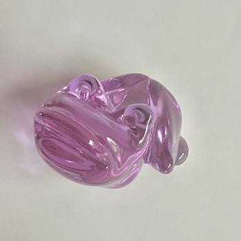 Alexandrite glass frog paperweight