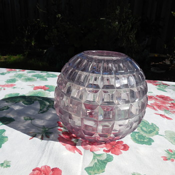 Crystal Glass Rose Bowl Sun Light Changed Color - Art Glass