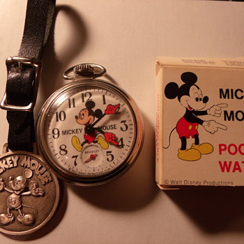 Bradley Mickey Mouse Watch and Little history. Circa 1971 - Wristwatches