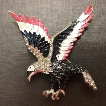 Vintage American Eagle brooch  - Animals