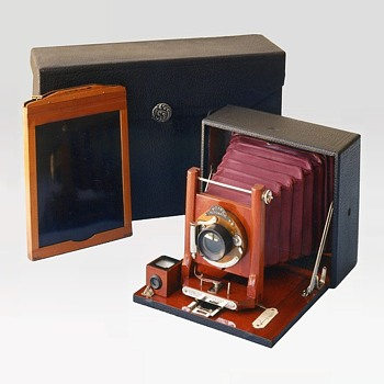 Cycle Wizard 'A' Self-Casing Camera. 1901 - Cameras