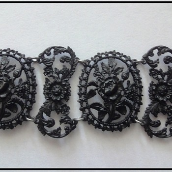 Berlin Iron Bracelet early 19th century - Fine Jewelry