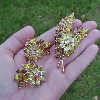 Alfred Philippe Trifari Brooch Set - Costume Jewelry