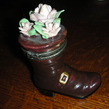 Riding Boot hinged trinket box with pink roses - Pottery