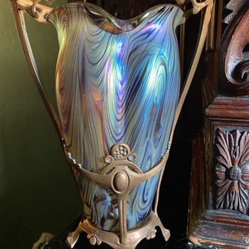 Norse-themed glass mount - Art Glass