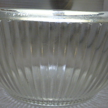 Rolled rim mixing bowl - Glassware