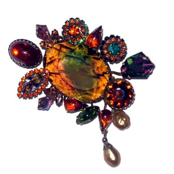 Vintage Vendome Brooch - Costume Jewelry