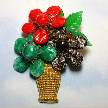 Stunning Tri-Flower Glass Vase  - Costume Jewelry