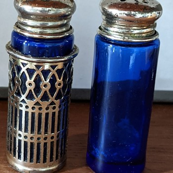 Salt and pepper shakers. - Kitchen