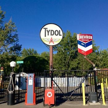 Chevron Debut - Petroliana