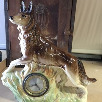 Jema Holland (423) Wolf Mantle Clock