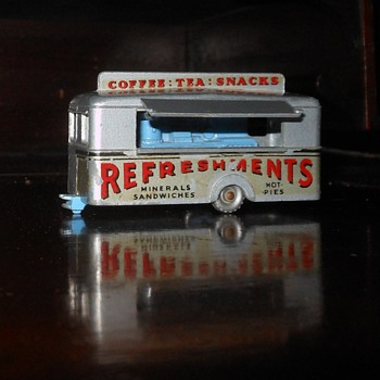 Matchbox Monday Mobile Canteen MB 74 1959-1965 - Model Cars