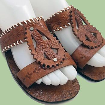 1970s Artisan Made Hippie Sandals w Peace Symbols