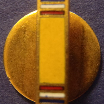 Gold/yellow (military service?) bar with red, white & blue stripes on either end - Military and Wartime