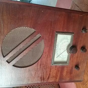 Wooden Radio - Radios
