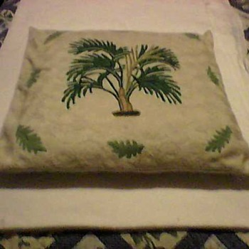 A SWEET PILLOW COVER - Rugs and Textiles