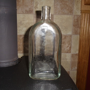 Glass Bottle that I'm trying to identify
