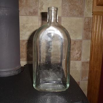 Glass Bottle that I'm trying to identify - Bottles