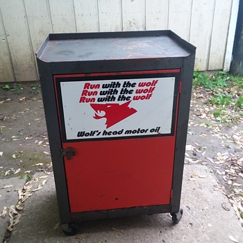 Wolfs's Head Oil Service Station Cabinet. - Advertising