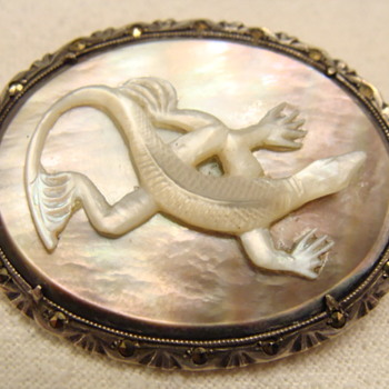 Vintage Carved Lizard Brooch  - Fine Jewelry