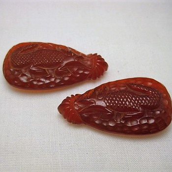 Carved lizard bakelite clips - Costume Jewelry