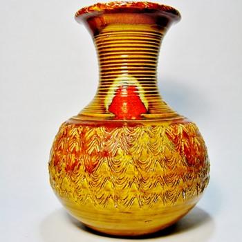 JAMES DRYDEN -USA  - Pottery