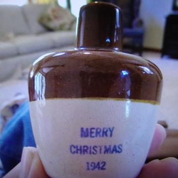 1942 Uhl merry Christmas Stoneware Jug...... - Pottery