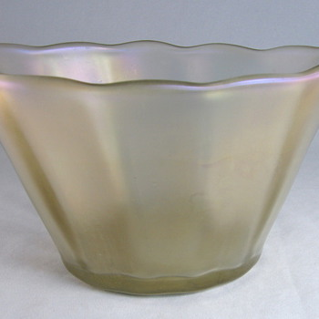 Signed Marie Kirschner Loetz Candia Optisch Bowl - Art Glass