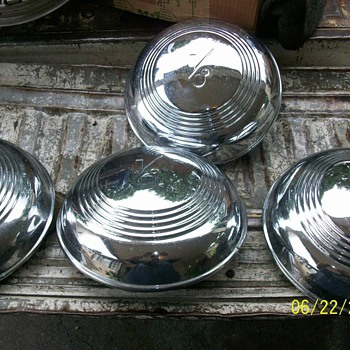 1939 ford hub caps
