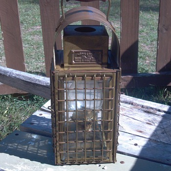 1943 British junk ship lantern  - Lamps