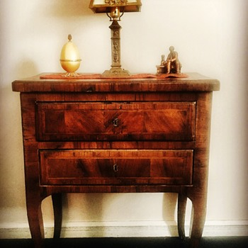 Circa 1750-1780 side table - Furniture