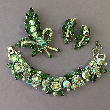 D&E Juliana Green Set Happy Saint Patrick's Day! - Costume Jewelry