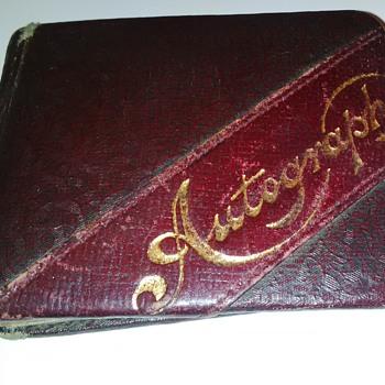 Autograph book - Paper