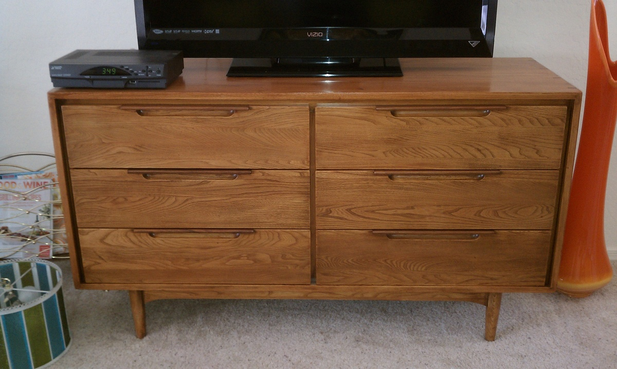 . refinished mid century  drawer dillingham dresser  collectors weekly