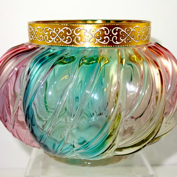 Loetz Rainbow, ca. 1890 - a very colorful (and very early) decor - Art Glass