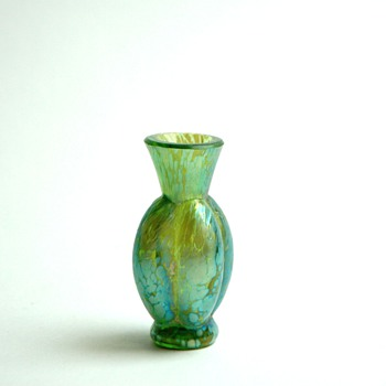 happy to presents my love -)  a miniature vase by LOEZT - Art Nouveau