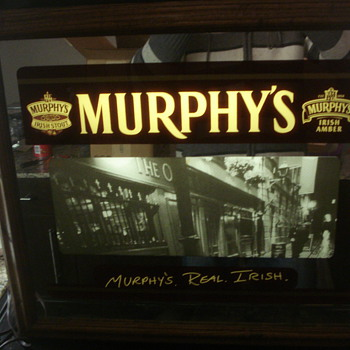 VINTAGE MURPHY'S BEER LIGHT UP SIGN AND OVAL METAL SIGN.