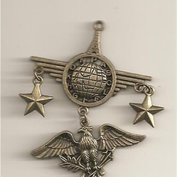 Vinatage Military Medal - Military and Wartime